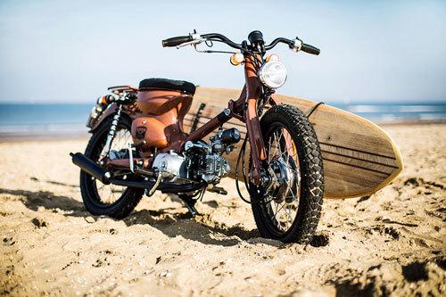 Phiên bản độ Honda Cub cho dân mê lướt sóng