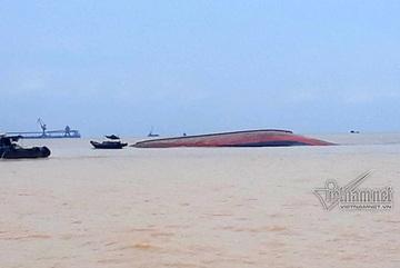 Chìm tàu chở than 4.600 tấn ở biển Cửa Lò
