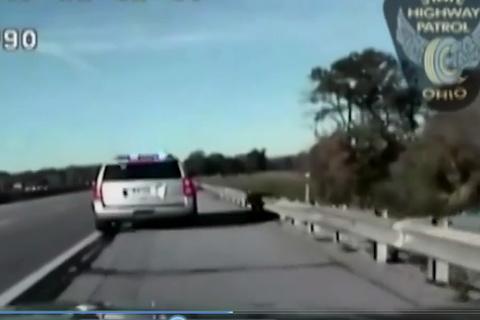 Cậu bé 10 tuổi lái trộm ô tô, gây náo loạn đường phố