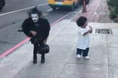 Các bé 'làm ma' trong ngày Halloween