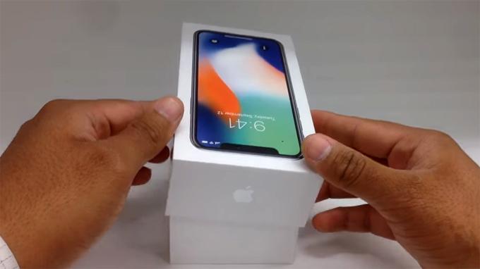 iPhone X,Apple,smartphone