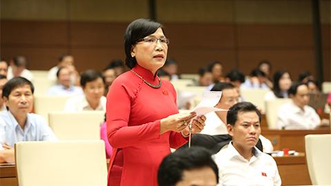 Đại biểu mua thuốc lá lậu làm bằng chứng 'tố' trước Quốc hội