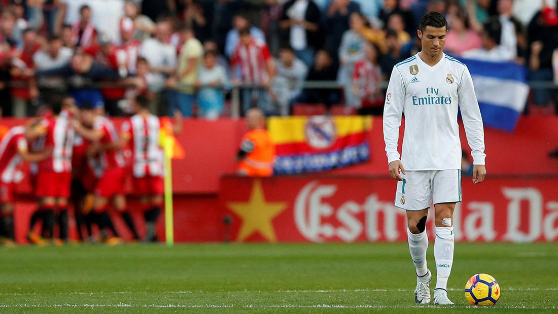 Ronaldo sa sút: Vì tiền, con cái hay đã hết thời?