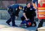 Video nghi phạm khủng bố New York cầm súng lao khỏi xe
