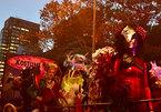 Ngay sau vụ khủng bố, New York vẫn diễu hành Halloween