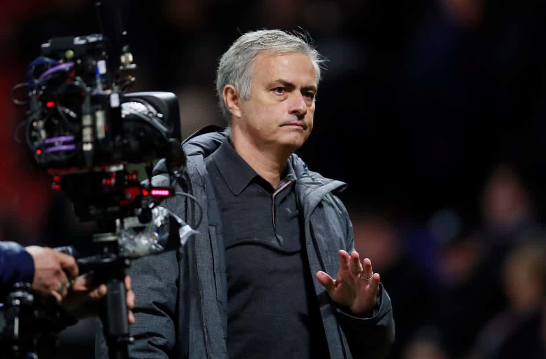 MU đoạt vé sớm: Mourinho và nụ cười kiêu hãnh