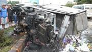 Tông xe liên hoàn trên quốc lộ 14, xe tải bị thiêu rụi