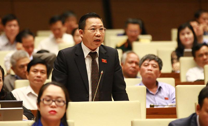 http://f.imgs.vietnamnet.vn/2017/11/02/09/dai-bieu-tranh-luan-lai-bo-truong-y-te-ve-dich-benh-la-do-thoi-tiet.jpg