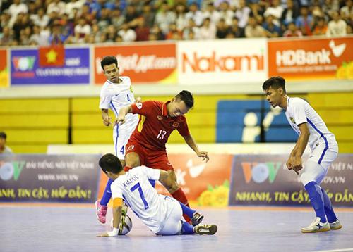 Thua sốc Malaysia, tuyển Việt Nam mất vé chung kết