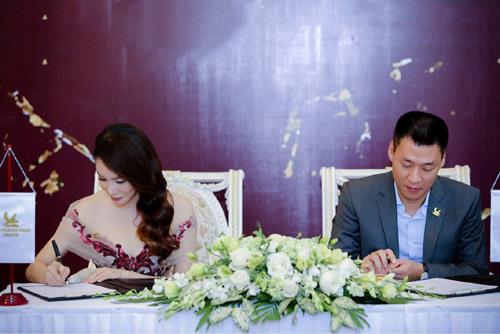 Hồ Quỳnh Hương làm đại sứ thương hiệu Tân Hoàng Minh