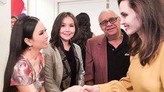 Em gái Cẩm Ly gặp gỡ riêng Angelina Jolie ở Hollywood
