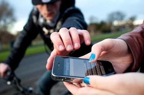 Mẹo tìm lại smartphone bị đánh cắp