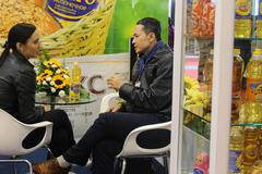 Dân Việt tiêu dùng nhanh, đại gia thực phẩm tranh chiếm thị phần