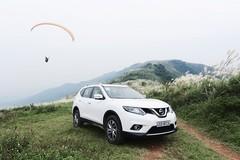 Hyundai SantaFe giảm giá 230 triệu đồng, Nissan tặng 70 triệu đồng cho X-trail