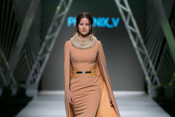 Lệ Quyên đơ trên sàn catwalk trong lần đầu làm người mẫu