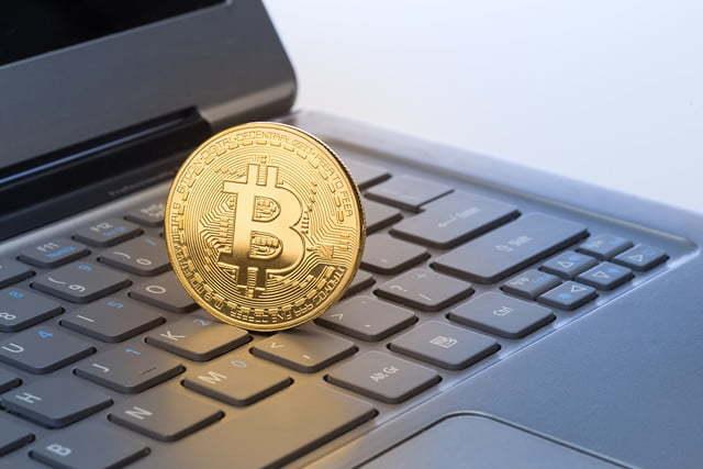 Bitcoin đạt kỷ lục mới trên 7.000USD