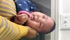 Tuyệt chiêu dỗ bé nín khóc trong vài giây