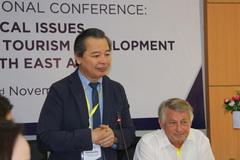 Du lịch phát triển, nhiều đại học Việt Nam 'khát' sinh viên