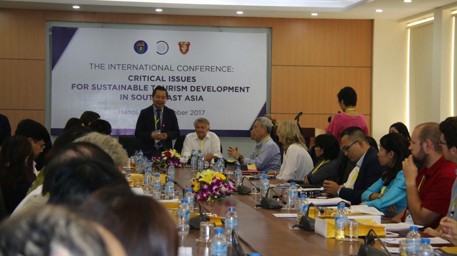 Du lịch phát triển, nhiều đại học Việt Nam 'khát' sinh viên - ảnh 1
