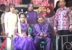 Phải lấy người không yêu, cô dâu khóc đến ngất trong đám cưới