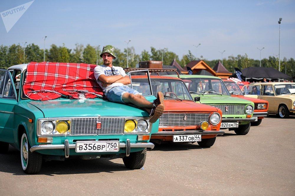 Hãng xe hơi huyền thoại Lada Nga giờ ra sao