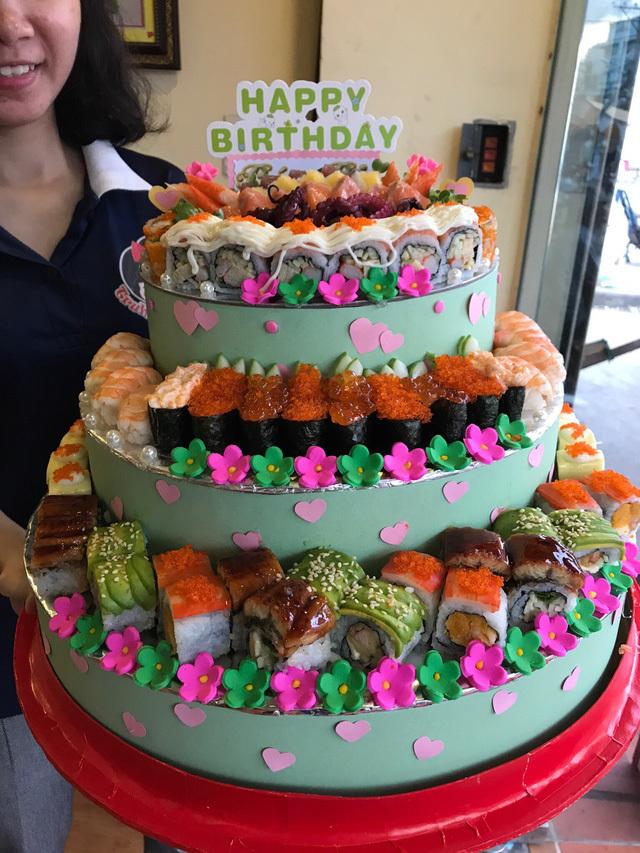 Độc đáo bánh sinh nhật sushi giá vài triệu đồng một chiếc