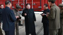 Kim Jong Un thăm nhà máy sản xuất xe tải
