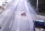 Tai nạn kinh hoàng với xe đạp điện sang đường bất cẩn