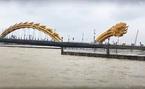 Đà Nẵng mưa dữ dội, nhiều tuyến đường ngập trắng