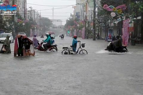TP Quảng Ngãi ngập sâu