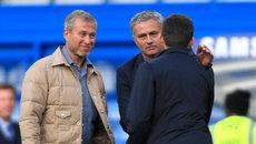 """Mourinho khiến MU choáng, Real """"tự bắn"""" chân mình"""