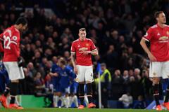 MU lại thua ở Stamford Bridge: Đàn ông ai lại thế, Mourinho!