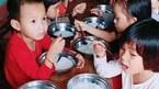 Phụ huynh bức xúc vì 'bữa ăn đạm bạc' chỉ có bún luộc của trẻ mầm non