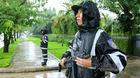 Cảnh sát giao thông, cảnh sát cơ động dầm mưa ở Đà Nẵng