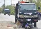 Lao vào đầu xe ben, thanh niên 20 tuổi chạy xe máy tử vong