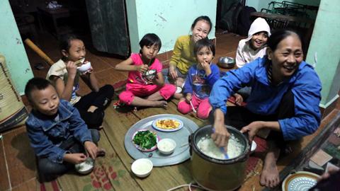 29 tuổi, sòn sòn đẻ 8 con ở Hà Nội