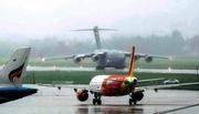Siêu vận tải mang thiết bị phục vụ Tổng thống Mỹ đến Đà Nẵng