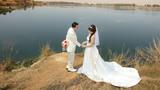 Cô dâu đen nhất năm: Mặc váy cưới rồi, chú rể lại bỏ đi lấy người khác