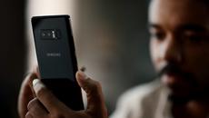"""Samsung tung video """"dìm hàng"""" iPhone X"""
