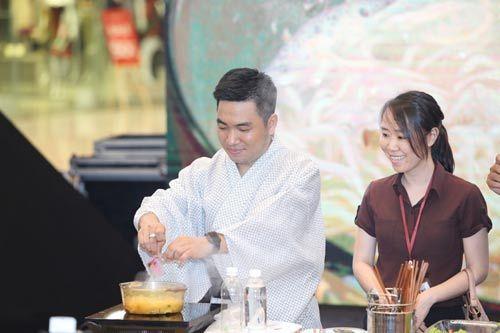 Nghệ thuật nấu ăn '4 phút' đậm đà hương vị Nhật