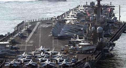 Máy bay đâm trúng thủy thủ trên tàu sân bay Mỹ