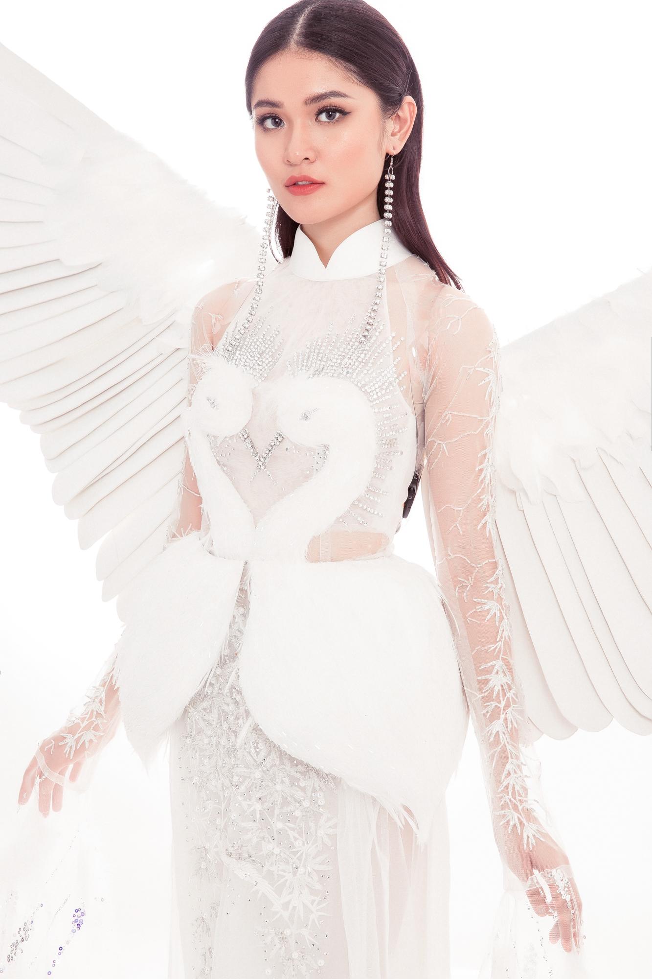 Hé lộ trang phục cầu kỳ của Á hậu Thuỳ Dung tại Miss International 2017