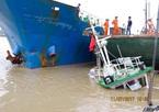 Tàu hàng 3 nghìn tấn mất lái đâm vào bờ ở bến Bính