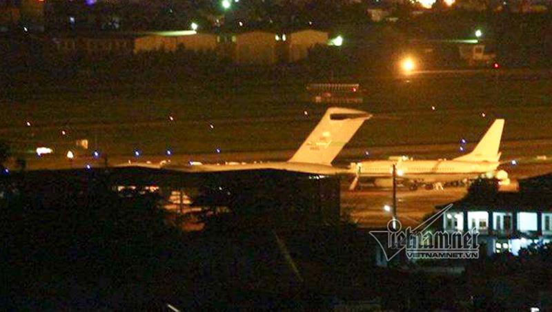 2 máy bay vận tải quân sự Mỹ liên tiếp hạ cánh xuống Đà Nẵng