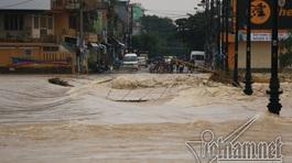 TT-Huế: Lũ các sông lên trở lại, ngập lụt chia cắt khắp nơi