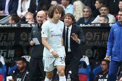 Conte trù dập David Luiz vì dám kết thân... Diego Costa