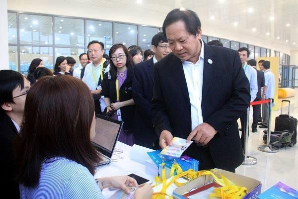 Bộ trưởng Trương Minh Tuấn thị sát trung tâm báo chí APEC