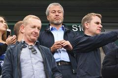 Tỷ phú Abramovich ra tay dẹp loạn ở Chelsea