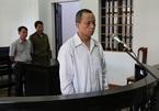 Bảo vệ hiếp dâm, dâm ô hàng loạt học sinh lãnh 20 năm tù