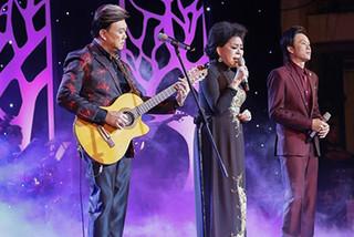 """Ngây ngất với """"Sầu tím thiệp hồng"""" do Hoài Linh, Chí Tài và Giao Linh biểu diễn"""
